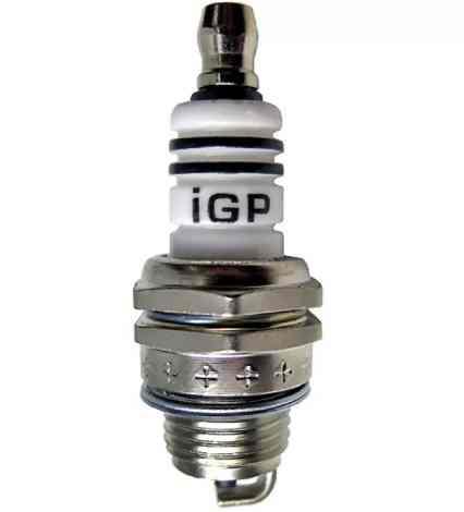 Свеча зажигания  igp L7T (для 2-х такт бензопилы,триммеры)