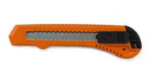 Нож малярный 18мм STANDART